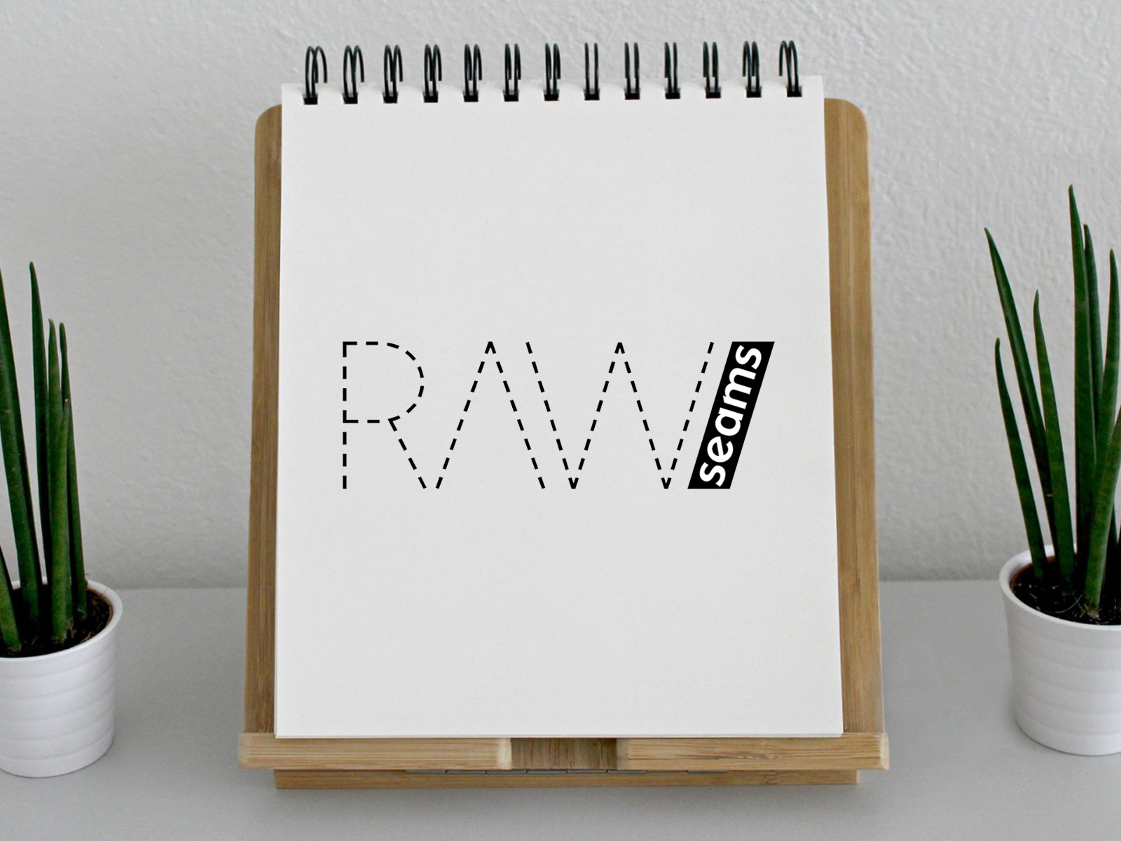 """Diseño Logotipo """"Raw Seams"""""""